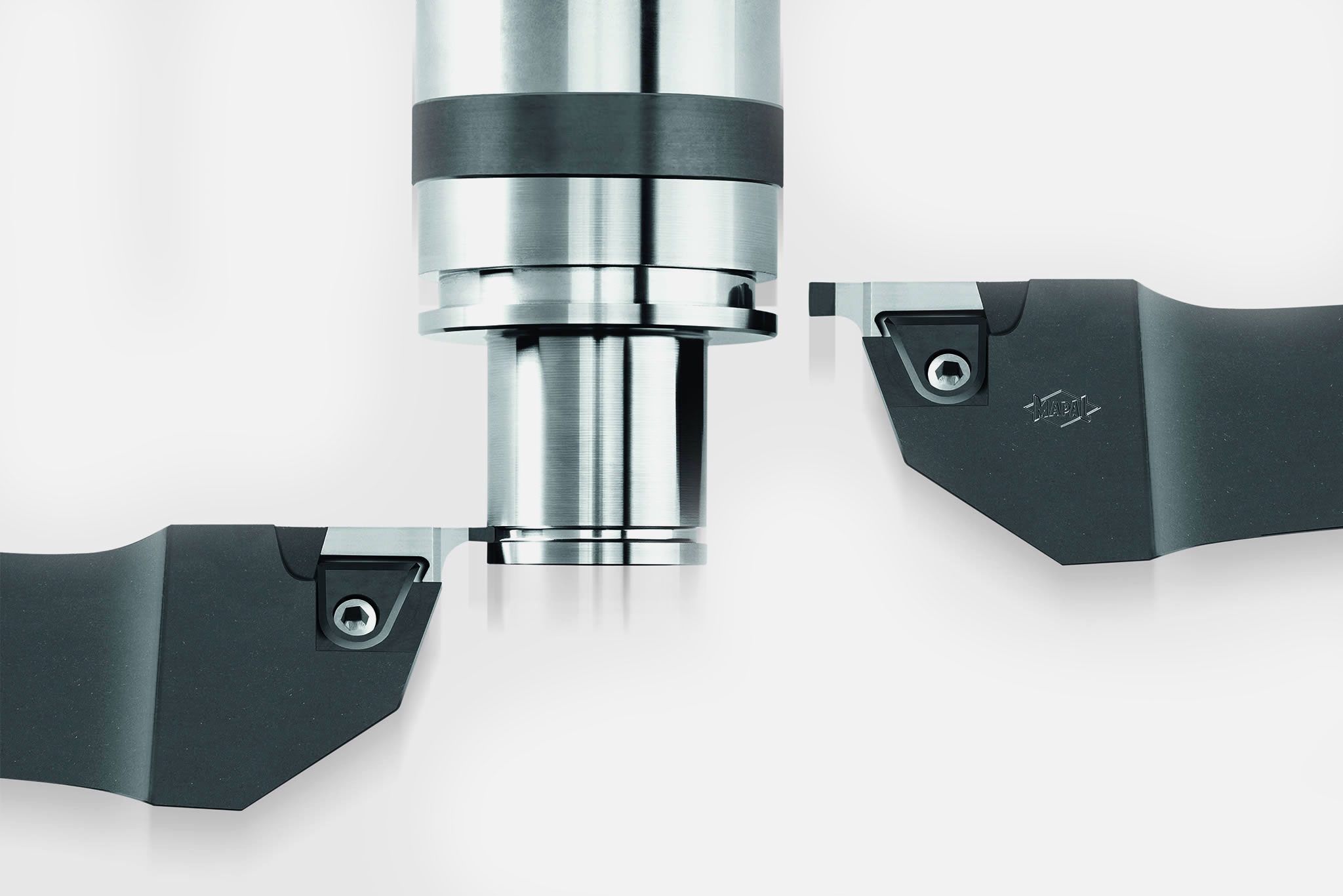 Maximum stability during hard turning with PcBN - with VersaCut from MAPAL.