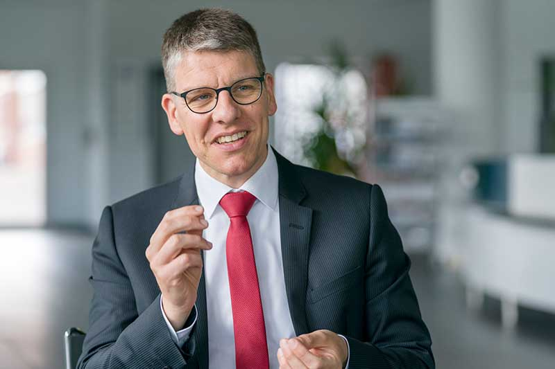 It is a portrait of Dr Jochen Kress, President of MAPAL since 2018.