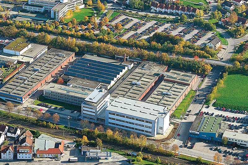 This aerial photo of the MAPAL plant in Aalen was taken in the 1990s.