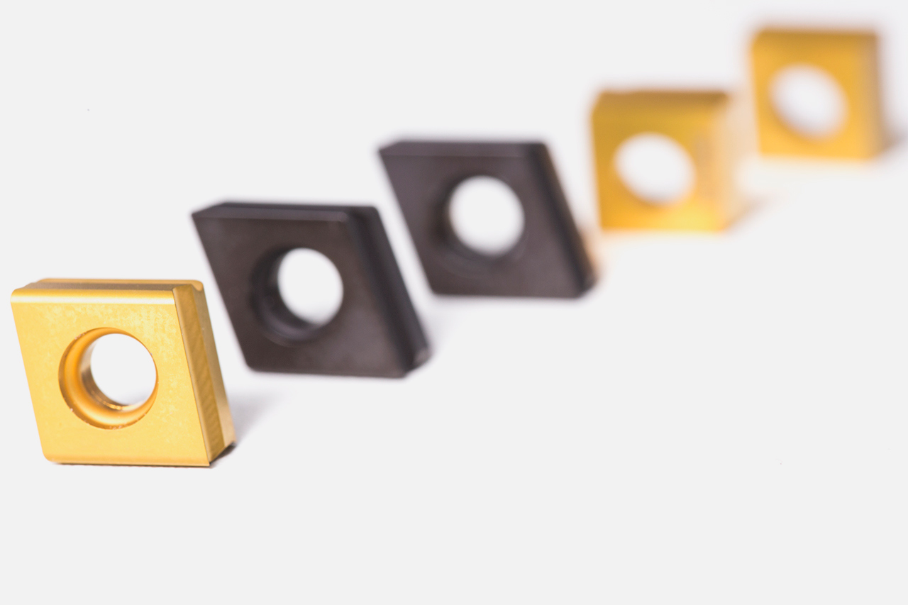 Different types of ISO indexable inserts from MAPAL.