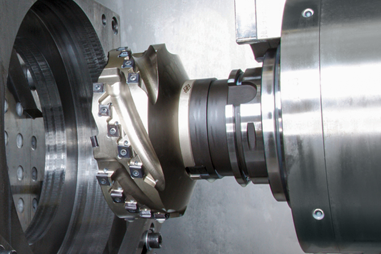 A milling cutter from MAPAL in use in the machine.