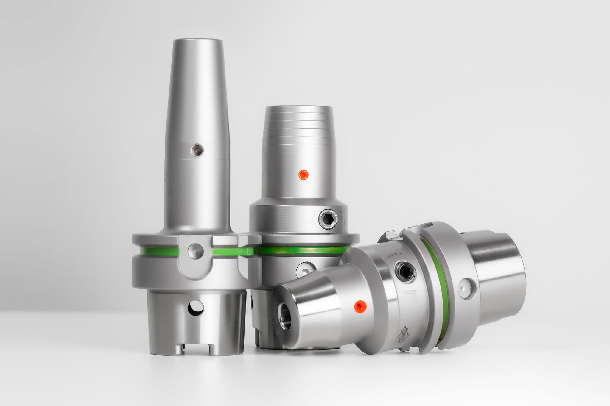 Various chucks suitable for minimum quantity lubrication machining
